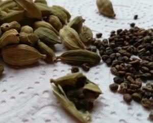 Ayurvedische kruiden: kardemon: peulen en zaden